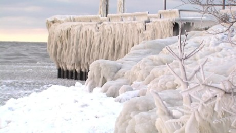 cleveland lake erie frozen waves pkg_00002808