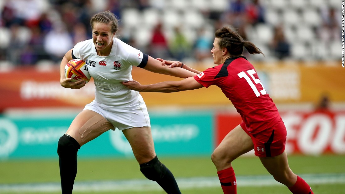 Emily Scarratt (left) is one of the world's top women's rugby players.