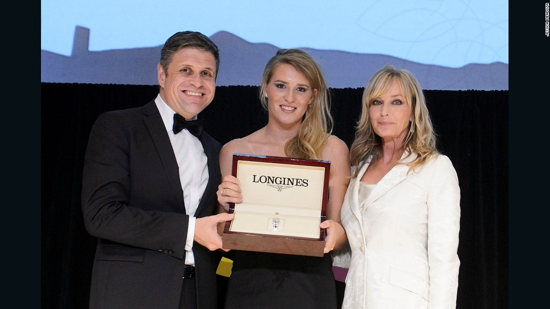"Her success was recognized at the 2015 FEI Awards where Mendoza was presented with the Longines ""Rising Star"" award. The presentation was made by Juan-Carlos Capelli, Vice-President of Longines and Head of International Marketing, and Hollywood actress Bo Derek."
