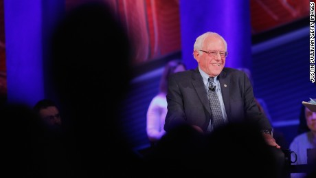 DES MOINES, IA - JANUARY 25:  Democratic presidential candidate Senator Bernie Sanders (I-VT) participates in a town hall forum hosted by CNN at Drake University on January 25, 2016 in Des Moines, Iowa. Sanders is in Iowa trying to gain support in front of the states Feb. 1 caucuses.  (Photo by Justin Sullivan/Getty Images)