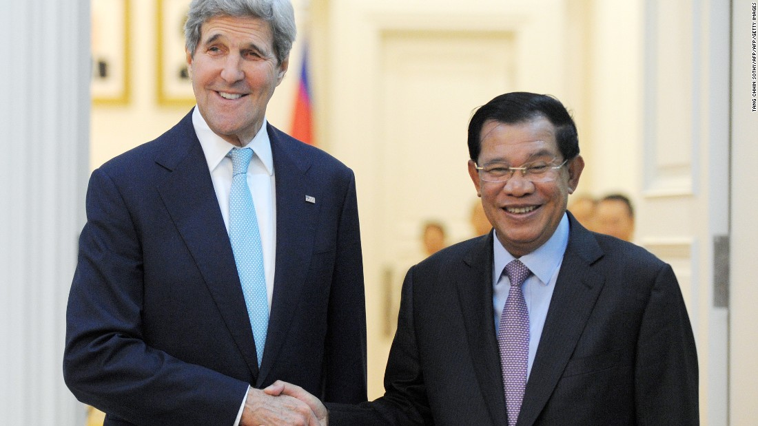 In Cambodia, John Kerry balances trade ties with warning on human rights