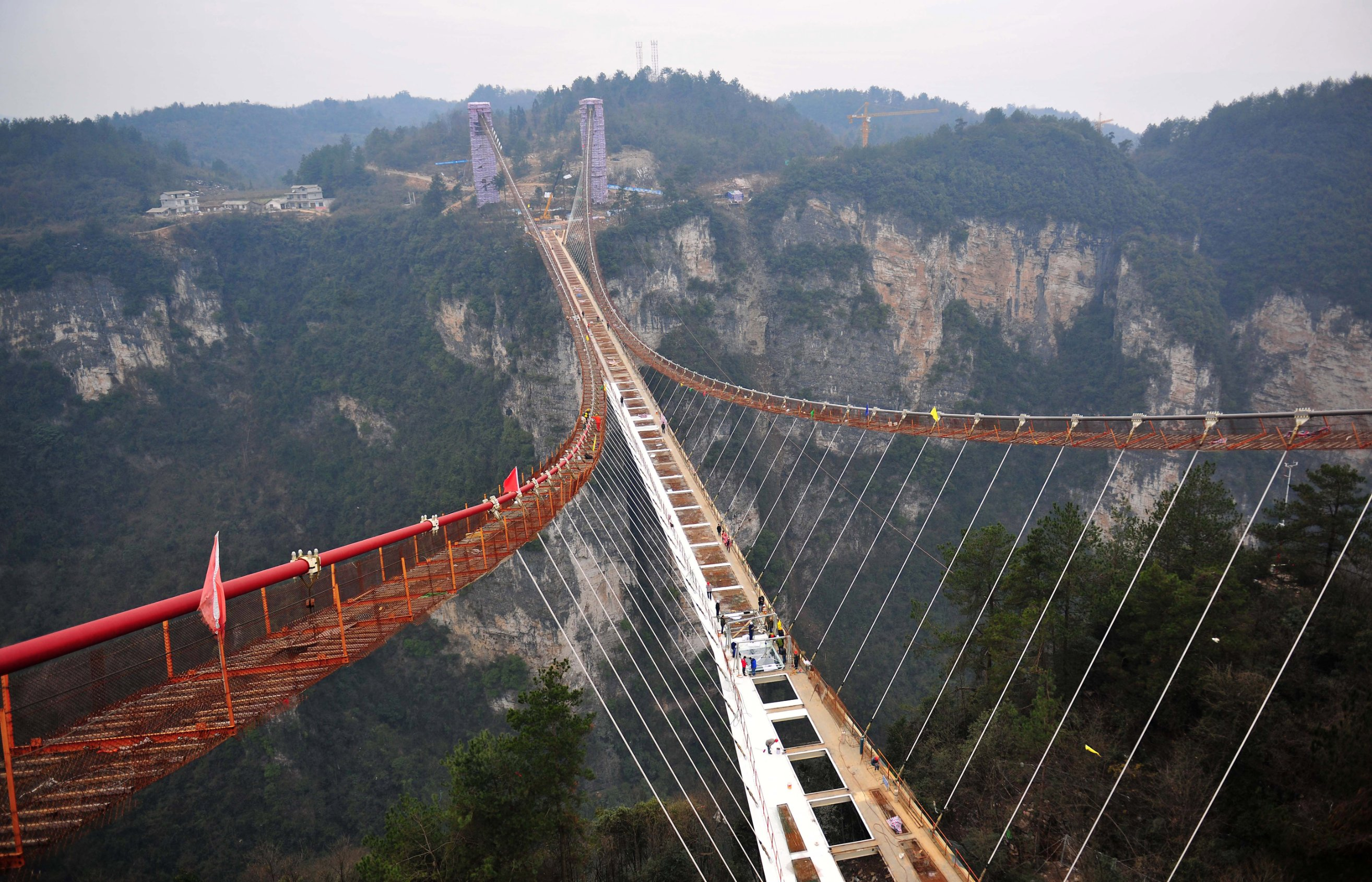 First look at record-breaking glass-bottom bridge | CNN Travel