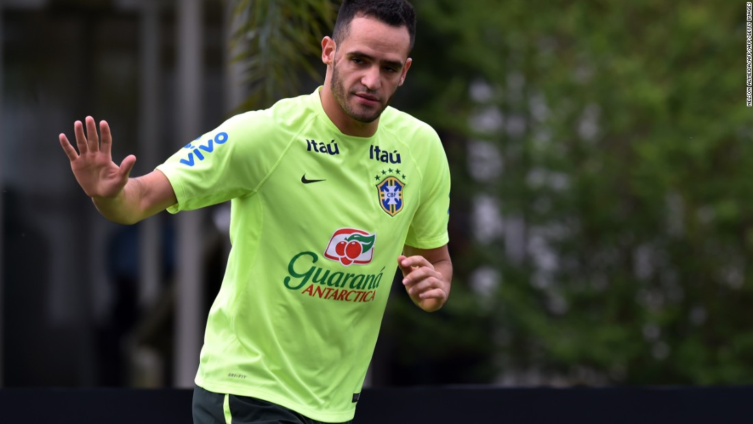 "Corinthians playmaker Renato Augusto reportedly turned down a lucrative offer from a German club to join Beijing Guoan. ""There was a very good offer from Germany, three times more than I make here at Corinthians,"" Renato was quoted as saying by the South China Morning Post. ""But then came an offer I couldn't refuse."""