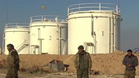 syria captured isis oil field ward pkg_00000418