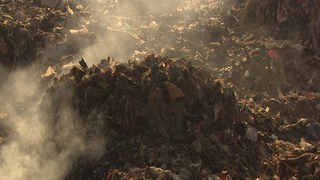 The dump receives 4,000 tons of trash a day, the government says.