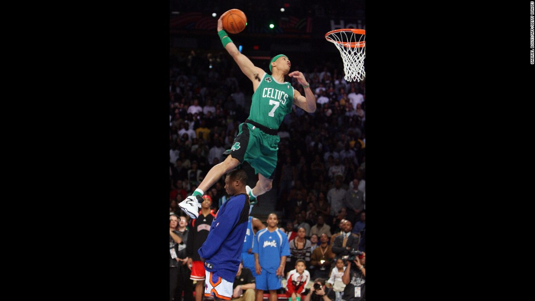 Green, a member of the Boston Celtics, jumped over Robinson on his way to dethroning the defending champion. And he did it in Dee Brown style, wearing the Celtics jersey of the 1991 champ as well as some Reebok Pumps. Later in the competition, Green also jumped over a table.