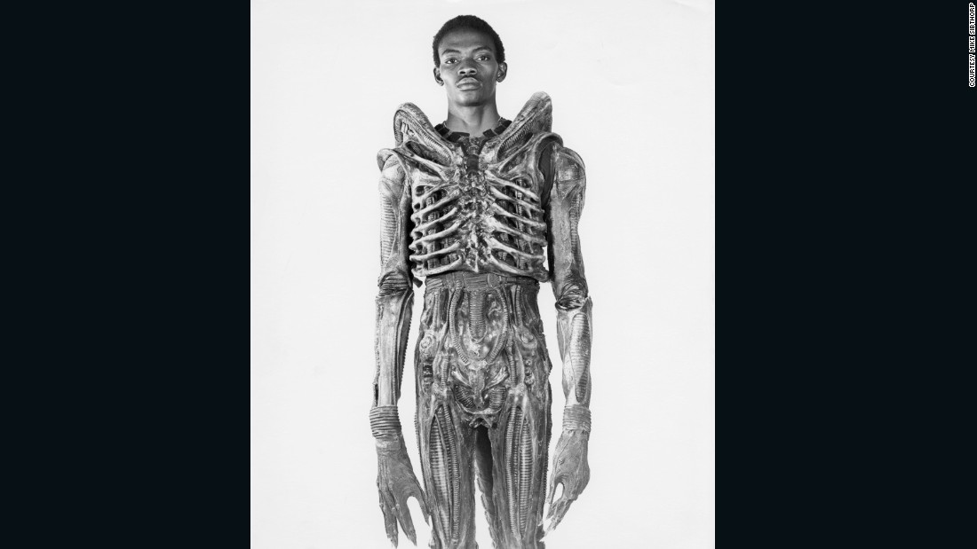 "Badejo returned to Nigeria where he opened an art gallery some years later. He died  from sickle cell disease in 1992. (Image: courtesy<a href=""http://www.mikesibthorp.com/"" target=""_blank""> Mike Sidthorp</a>.)"