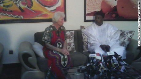 Australian hostage Jocelyn Elliott is shown with Niger's President Mahamadou Issoufou after her release.