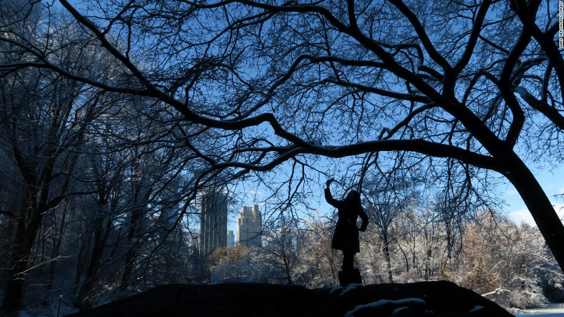 "A woman takes a selfie in Central Park on Friday, February 5. <a href=""http://www.cnn.com/2016/02/03/living/gallery/look-at-me-selfies-0203/index.html"" target=""_blank"">See 26 selfies from last week</a>"