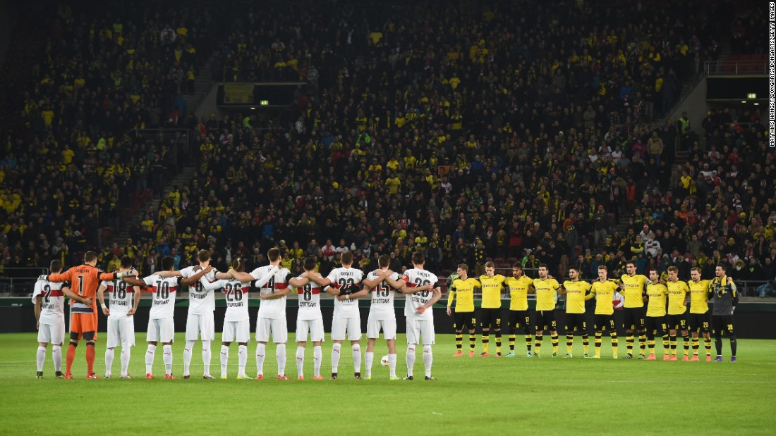 The two teams also held a minute's silence prior to kick-off in memory of those who lost their lives in Tuesday's train crash in Bavaria.