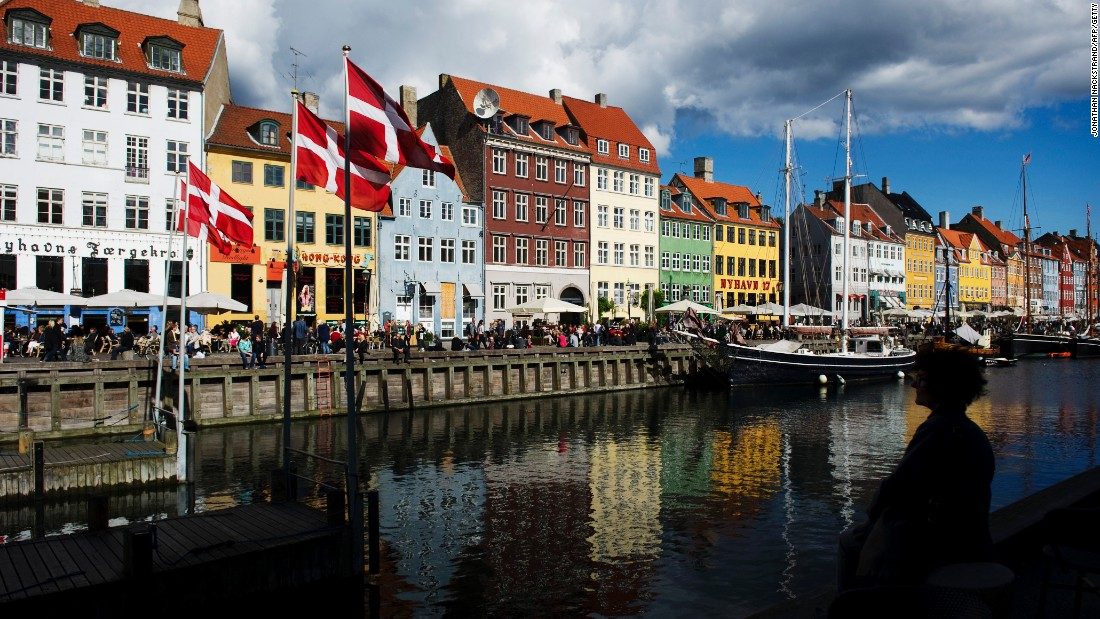 A seafaring Nordic nation, Copenhagen has become known for its gourmet food scene. A VoiceMap tour provides a culinary tour of some of the city's best eateries.