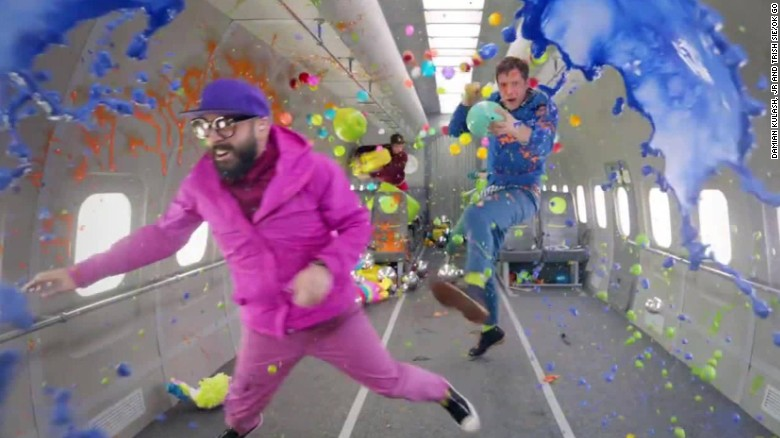 ok go no gravity video moos erin pkg_00000712