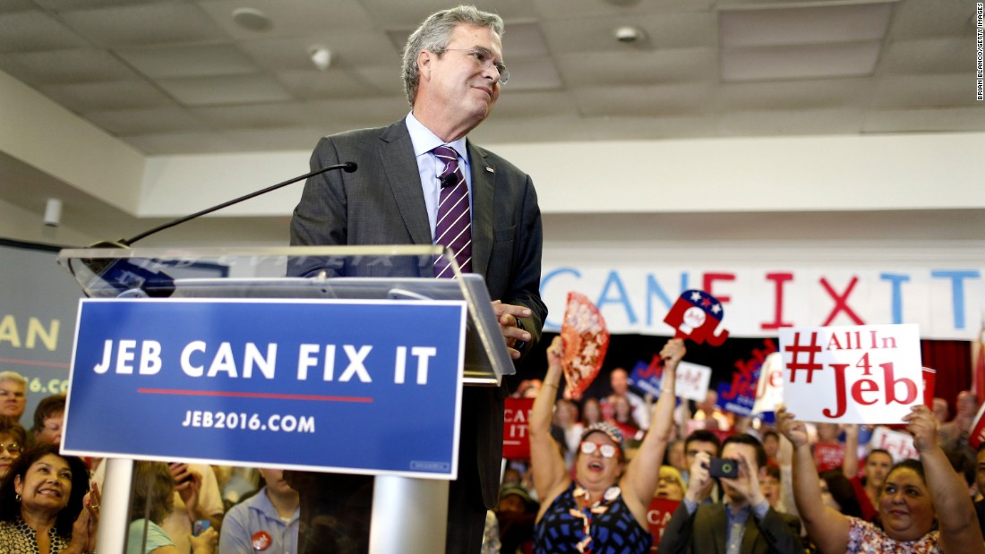 "Republican presidential candidate and former Florida Gov. Jeb Bush speaks to supporters during a rally on his ""Jeb Can Fix It"" tour on November 2, 2015."