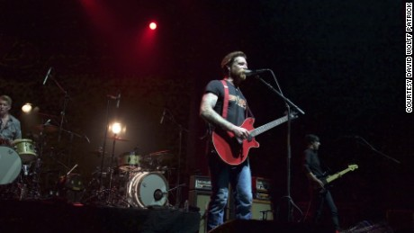 france eagles of death metal paris concert mclaughlin lklv_00005504
