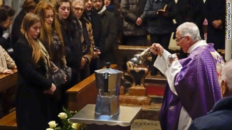An urn shaped like a Moka coffee pot was the final resting place for Renato Bialetti's ashes this week.