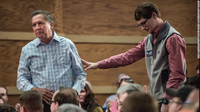 Kasich's emotional connection with supporters