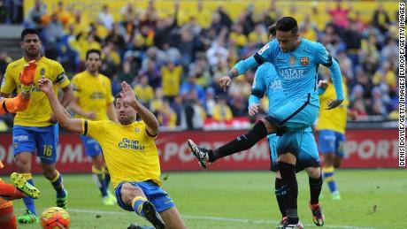 Barcelona beats las palmas to go nine points clear cnn - Tv chat las palmas ...