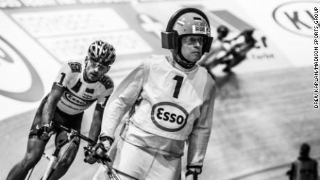 Peter Bauerlein guides eventual Steher winner Stefan Schafer to victory on the Berlin boards.