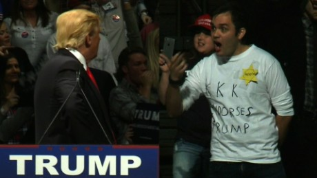 Donald Trump protester KKK shirt_00000000