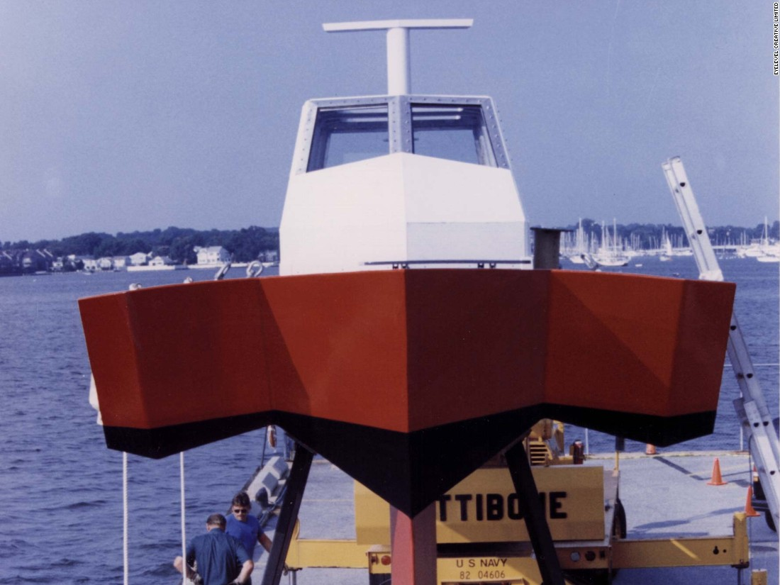 The Tetrahedron's HYSWAS hull is based upon an existing design which was used by MAPC's Quest in 1995 as a technology demonstrator.