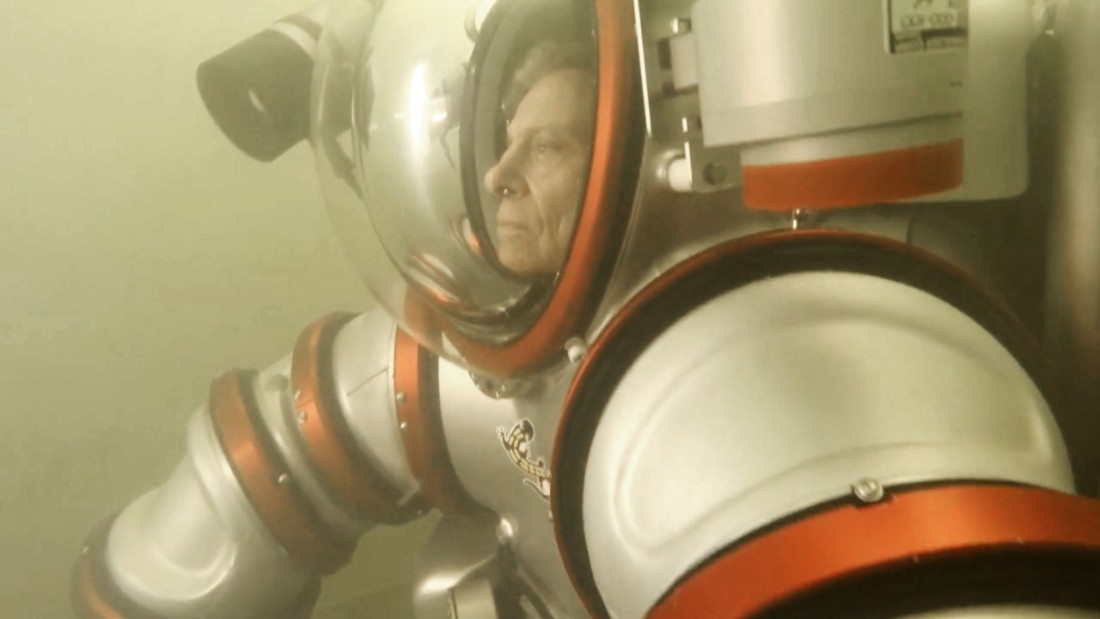 Inventor shows off 'Iron Man'-like diving suit