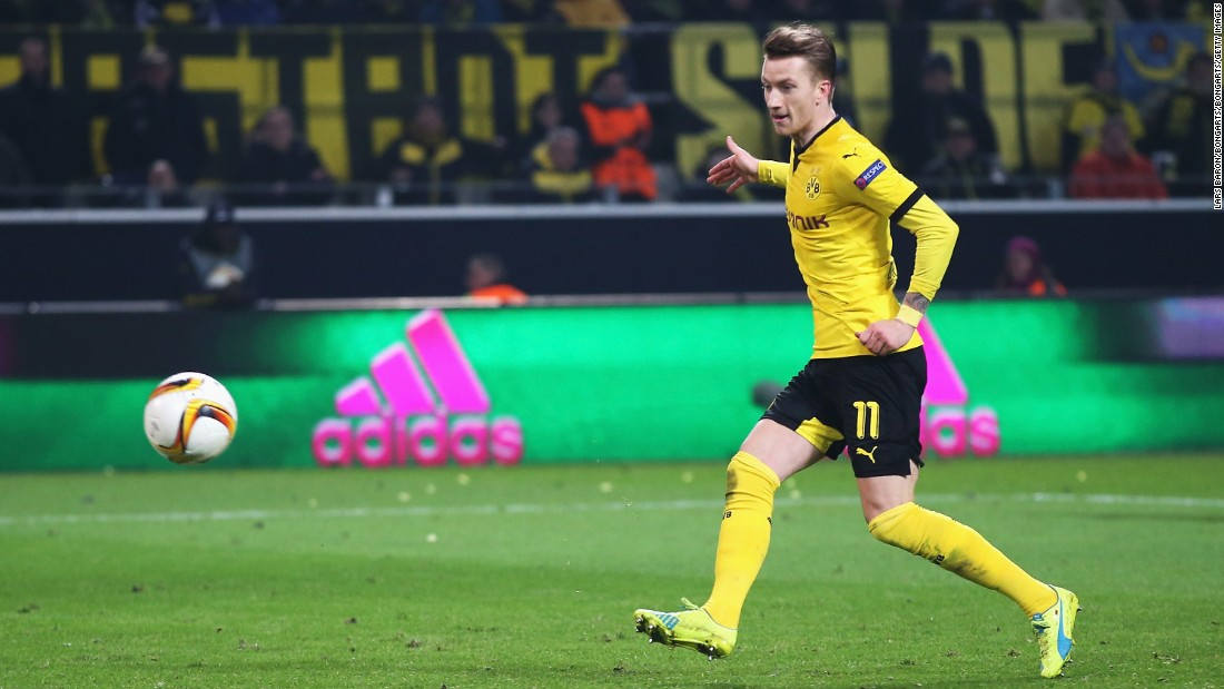 Marco Reus added two more in the second half as Dortmund cruised to a 3-0 victory.