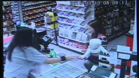 clerk saves baby mom seizure dnt_00002913.jpg