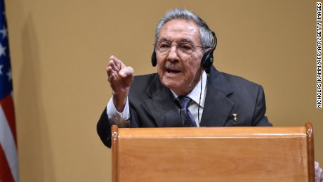 Raul Castro skirts question on political prisoners
