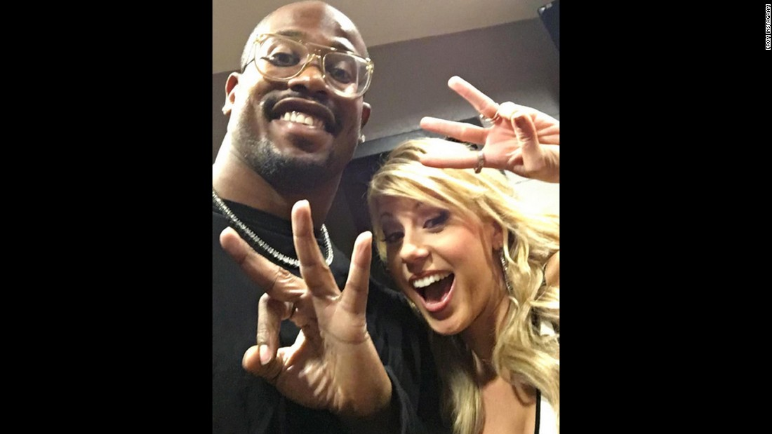 "Super Bowl MVP Von Miller <a href=""https://www.instagram.com/p/BDGoyLFm0F8/"" target=""_blank"">takes a selfie with actress Jodie Sweetin</a> on Friday, March 18 -- three days before they would make their debut on the new season of ""Dancing With the Stars."""