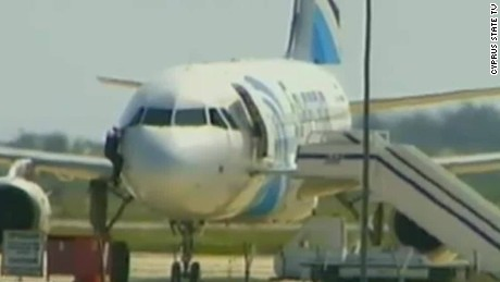 egyptair hijacked man climbs out window newday_00001917.jpg
