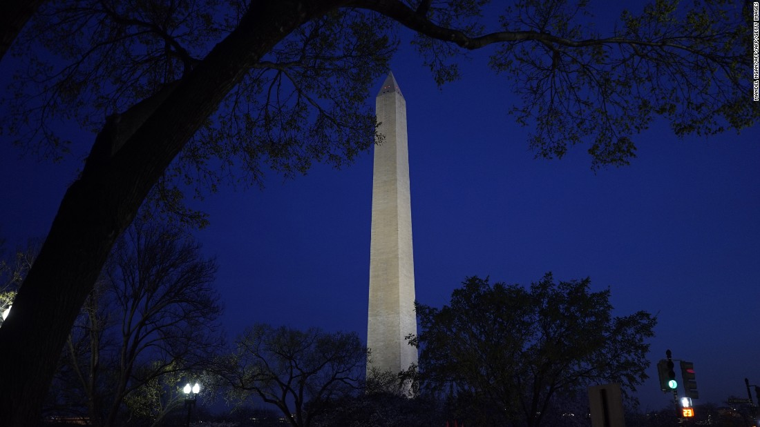 Washington Monument to reopen in August