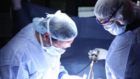 Surgeons perform first HIV organ transplant sot_00001113.jpg
