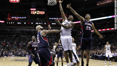 Atlanta Hawks' Thabo Sefolosha and ex-teammate Pero Antic sue NYC