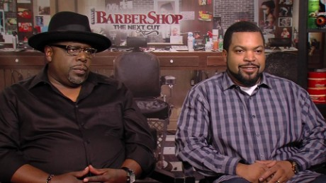 barbershop the next cut cast behind the scenes laughs_00014803