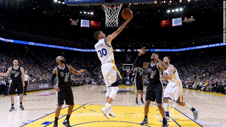 Golden State Warriors break NBA wins record