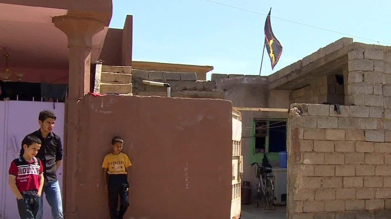 iraqi town suffering after isis chemical attack damon pkg cnn today_00010115