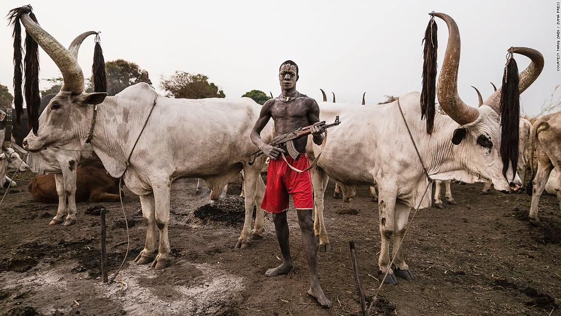 The Mundari The Tribe Dying For Their Cows Cnn