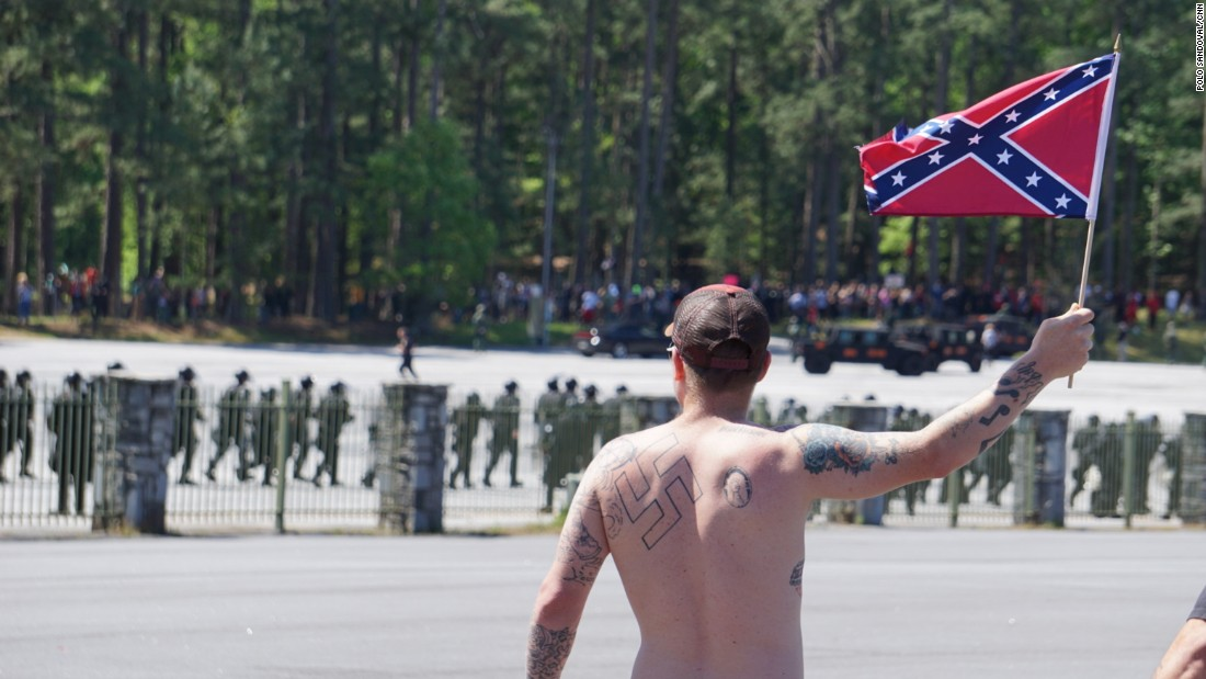 'Pro-white,' anti-KKK groups face off at Georgia landmark