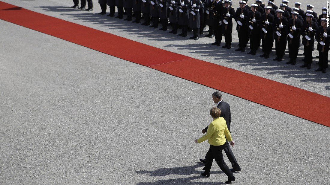 Merkel welcomes Obama at Herrenhausen Palace on April 24.