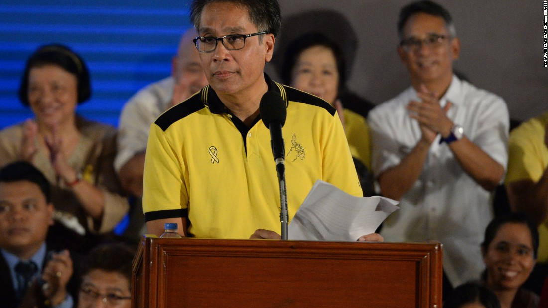 Manuel 'Mar' Roxas, grandson of former Philippine President Manuel Roxas, is a well-known local politician who serves in the Philippines senate. An investment banker in New York prior to returning home to run for office, the former Interior Secretary has overtaken Binay for third place in the most recent SWS poll, with support from 19% of respondents. <br />