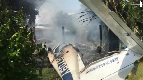 florida plane crashes into house neighbors help pkg_00002526.jpg