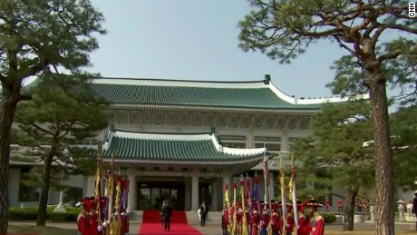 North Korea builds Seoul palace replica for mock attack