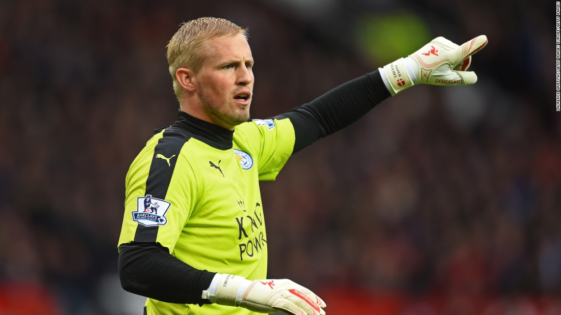 Leicester goalkeeper Kasper Schmeichel made a number of key saves to ensure the league leaders came away with a point from Old Trafford.