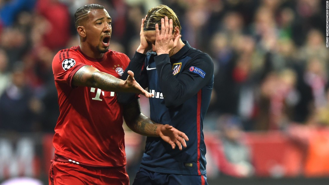 With Bayern piling forward in search of a winner, Atletico was given a wonderful opportunity to put the tie out of sight when Fernando Torres was awarded a penalty. The foul appeared to have taken place outside of the area and Manuel Neuer produced a wonderful save to deny the forward.