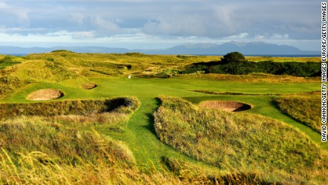Royal Troon's 8th, known as the Postage Stamp, is one of the world's best par 3s.