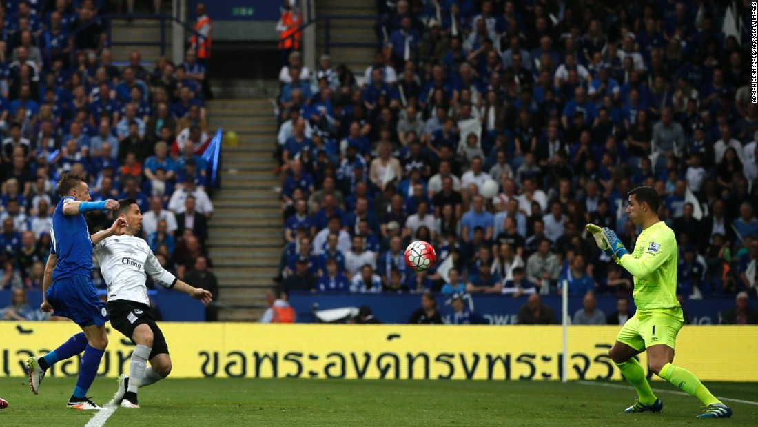 Star striker Jamie Vardy opens the scoring for The Foxes against Everton Saturday.