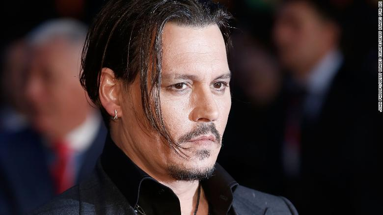 Johnny Depp mocks his dog smuggling apology