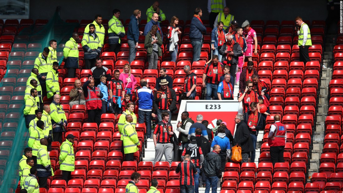 Manchester United: Cause of 'bomb' scare at Old Trafford dubbed 'fiasco'
