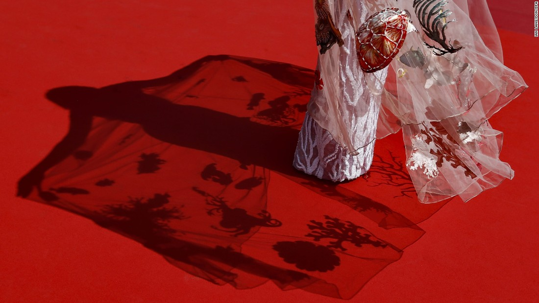 "A guest arrives for the ""Ma'Rosa"" screening at the Cannes Fiim Festival in Cannes, France, on Wednesday, May 18. <a href=""http://www.cnn.com/2016/05/12/entertainment/gallery/cannes-red-carpet-2016/index.html"" target=""_blank"">See more red-carpet photos from the festival's various events</a>"