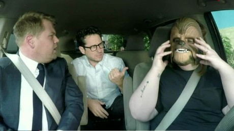 cnnee showbiz vo chewbacca mom invitada carpool corden jj abrams_00001718